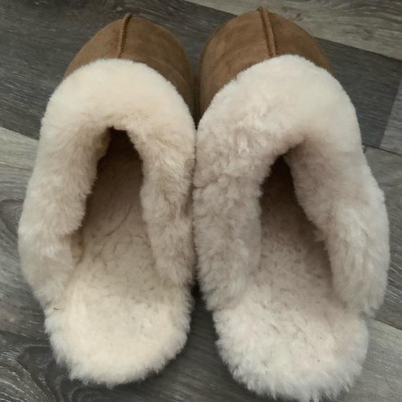 BearPaw slip on size 10